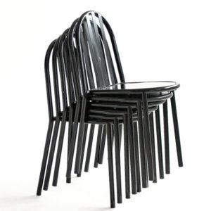 Chaises Emplilées